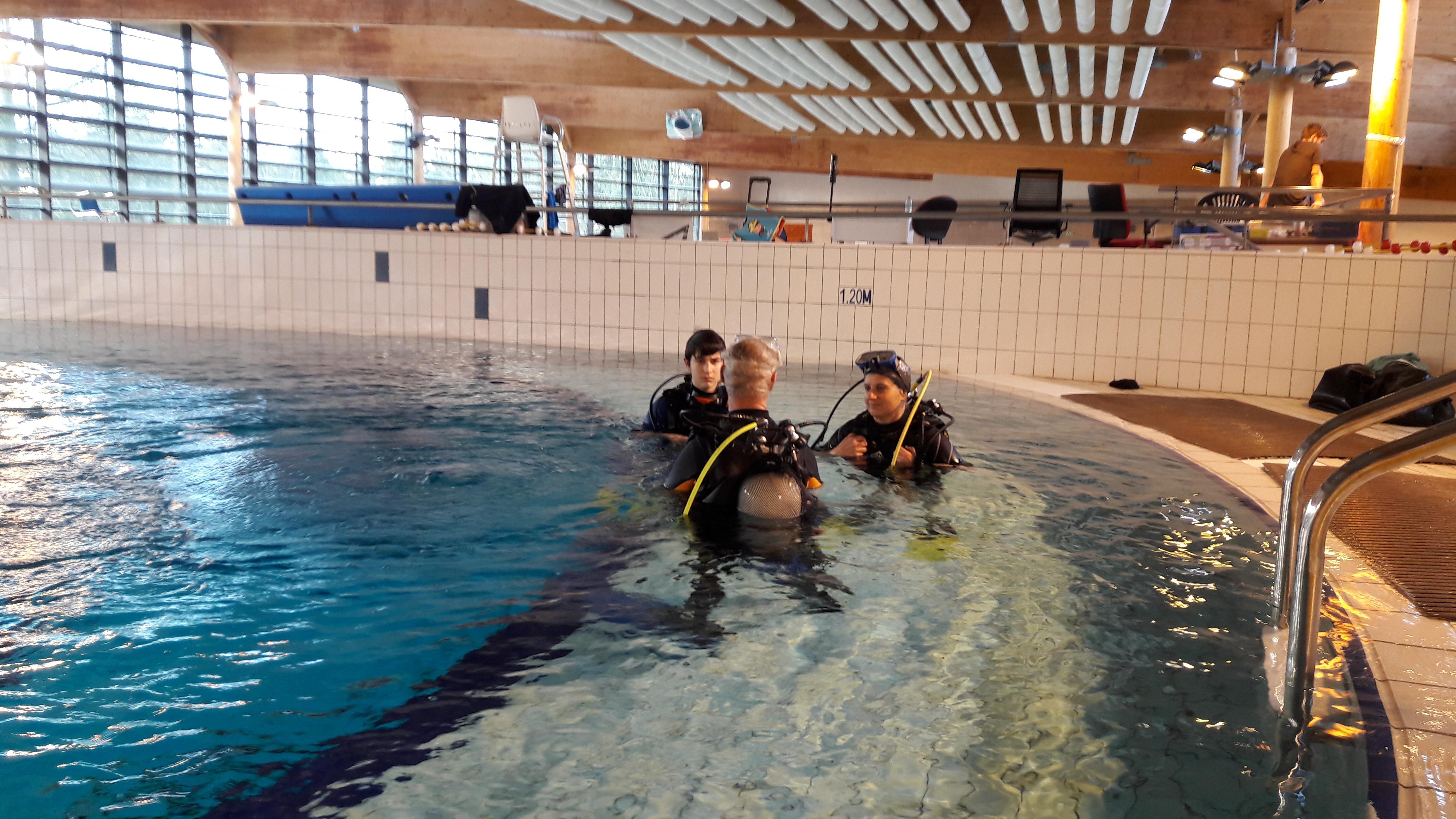 Sortie la fosse de la piscine des gayeulles club for Piscine kercado