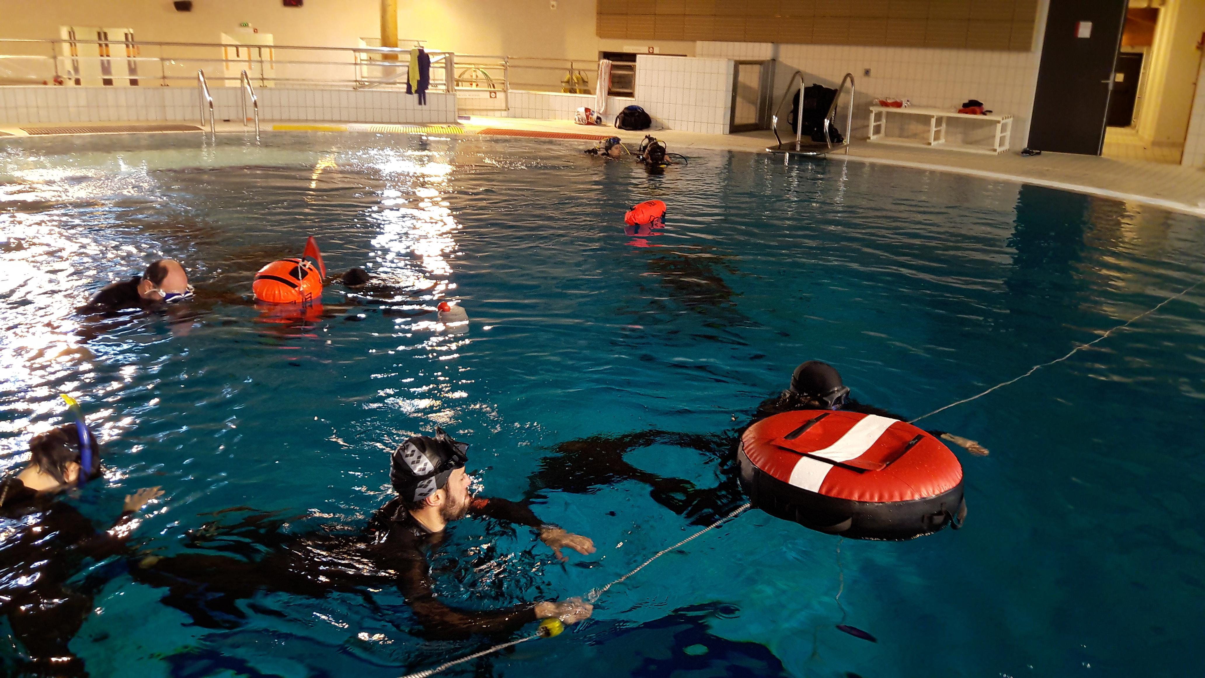 Sortie la fosse de la piscine des gayeulles club for Piscine des gayeulles rennes