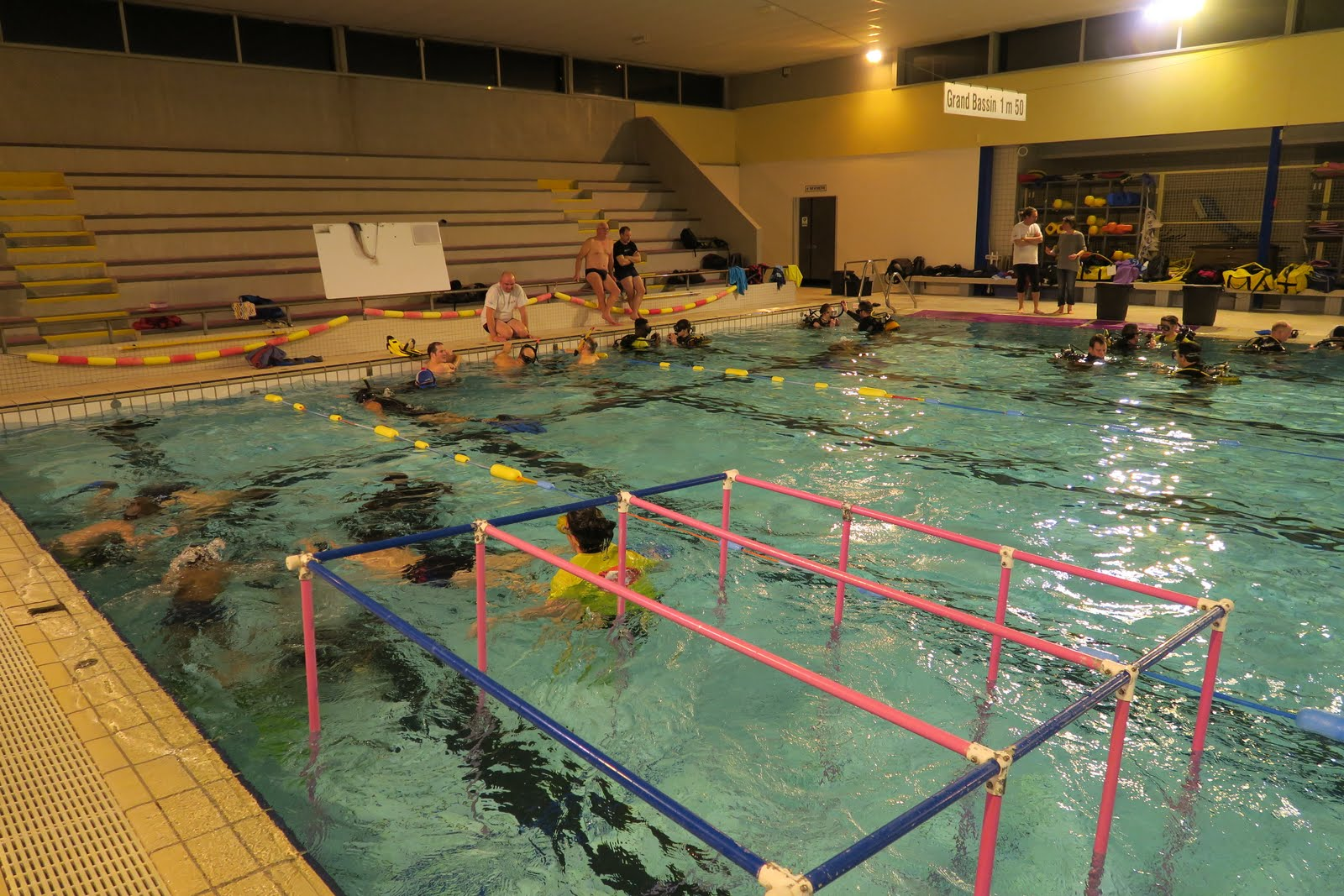Club subaquatique des v n tes club de plong e sur vannes for Piscine kercado